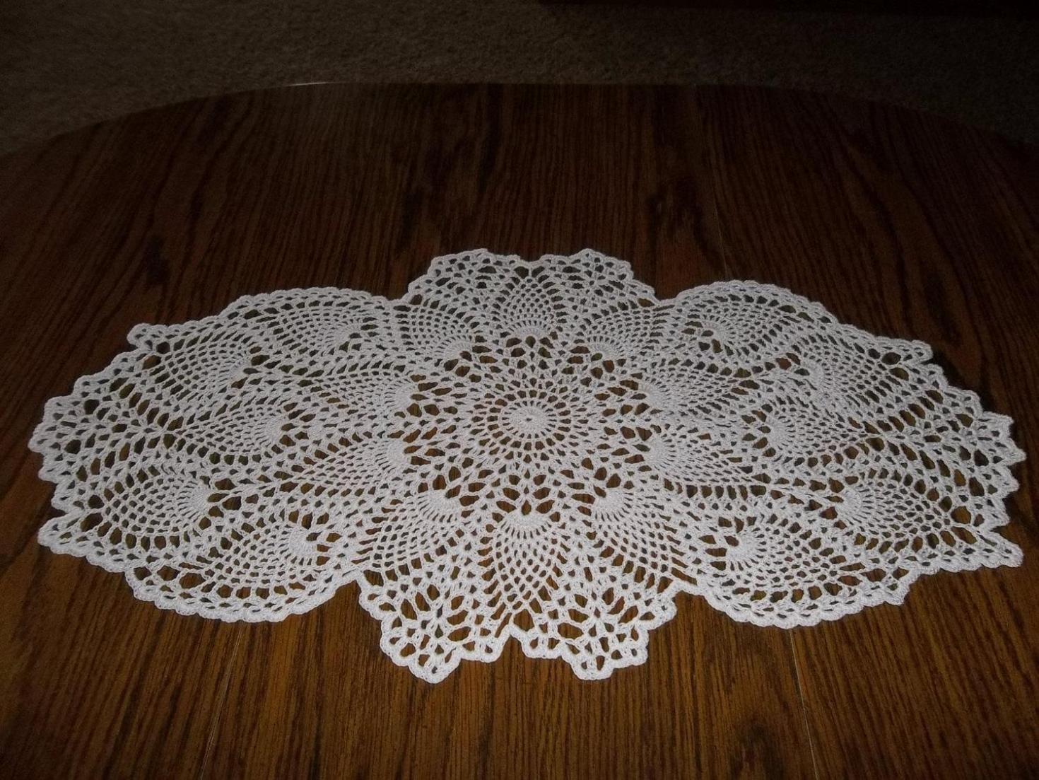 Crochet Free Pattern Table Runner : Just for You: 17 Crochet Table Runner Patterns for ...