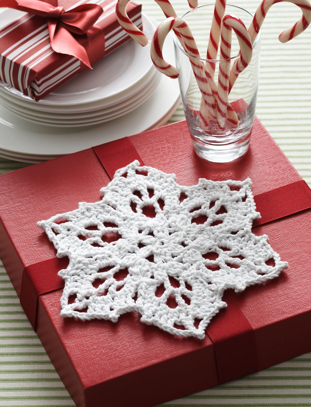 Knitting Pattern Snowflake Dishcloth : How to Crochet Snowflake Patterns?   33 Amazing DIY Patterns for You   Patter...