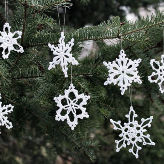 crochet snowflake ornament tutorial