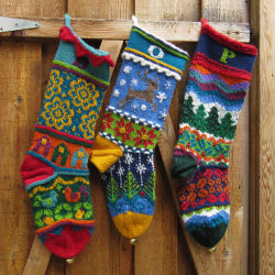 crochet-christmas-stocking-decorations