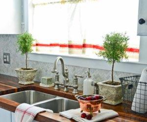 Making No-Sew Kitchen Curtains