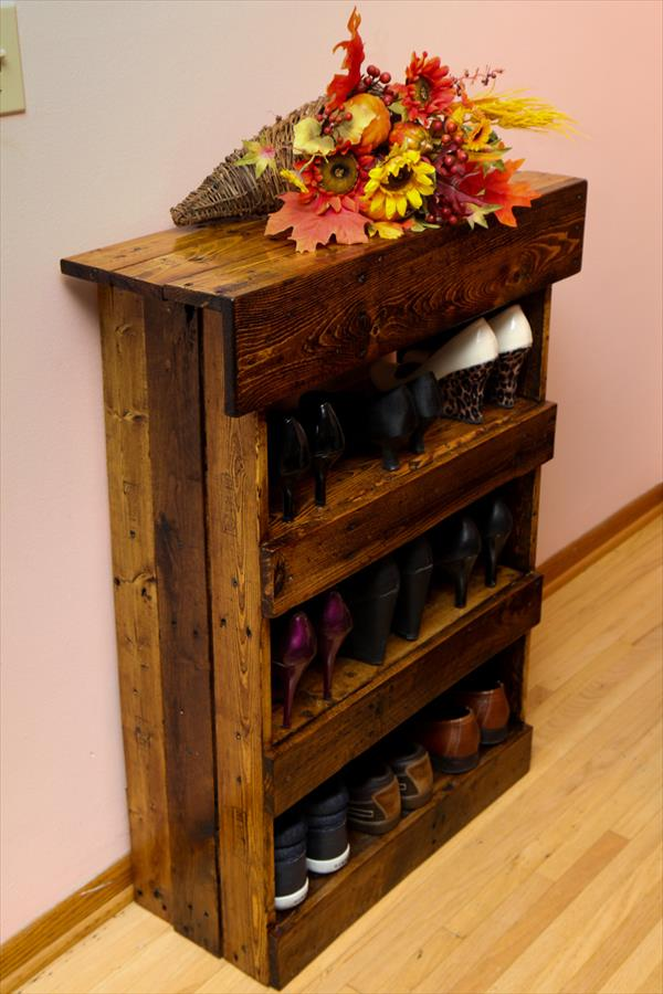 30 pallet shoe rack ideas to suit different tastes. Black Bedroom Furniture Sets. Home Design Ideas