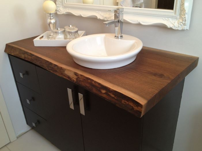 20 ideas for installing a wooden countertop at your home for Bathroom countertop accessories