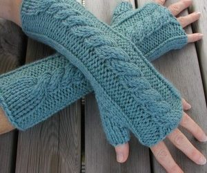 Free Crochet Pattern for Fingerless Gloves