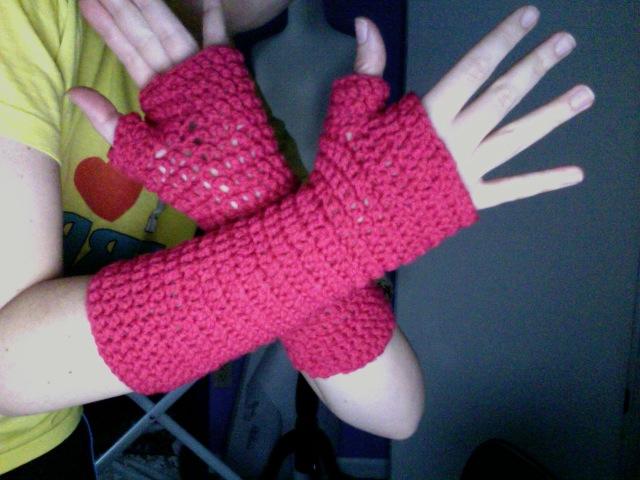 38 Colorful Fingerless Gloves Crochet Patterns Patterns Hub