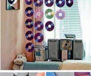 DIY No-Sew Curtain Using CDs