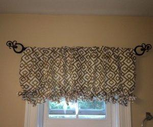 No-Sew DIY Pillowcase Curtain