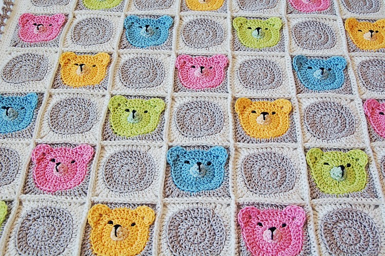 Teddy Bears Filet Crochet Blankets - CROCHET | 499x750