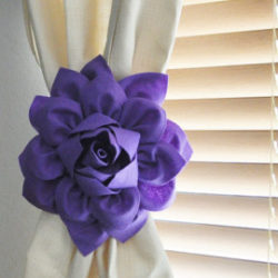 Flower Tie Back Idea for Curtain