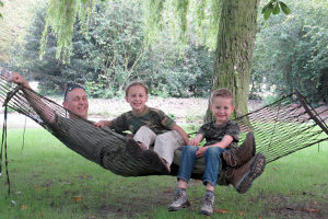 paracord survival hammock