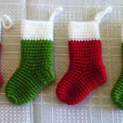 easy crochet mini christmas stocking