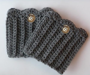 crochet boot cuffswith super bulky yarn