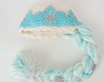 23 Cute Crochet Crown Patterns For Every Need