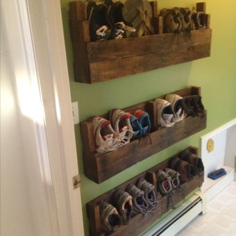 30 Pallet Shoe Rack Ideas To Suit Different Tastes