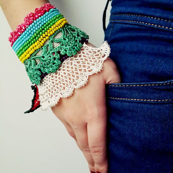 25 Free Crochet Bracelet Patterns For Beginners