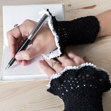 8e8143a5b 38 Colorful Fingerless Gloves Crochet Patterns - Patterns Hub