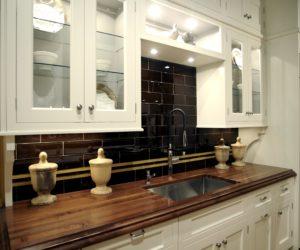 wooden countertopsin kitchen