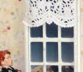 No-Sew Dollhouse Curtains