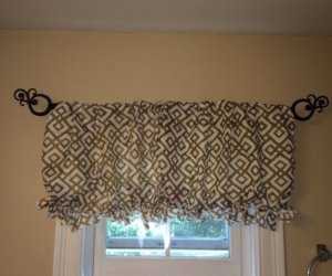 No-Sew DIY Pillowcase Curtain