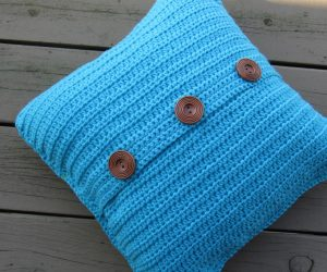 crochet pillow cover pattern with buttons